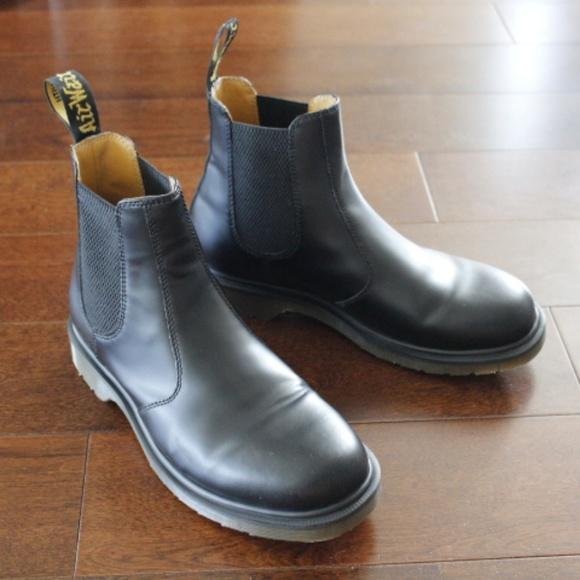 8348eae25e4 Dr. Martens 2976 Chelsea Boots mens size 9